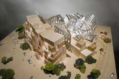 The Lou Ruvo Brain Institute side view